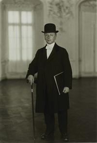 der pianist [max van de sandt] by august sander